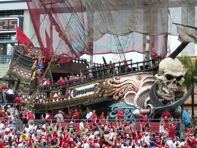 bucs-pirate-ship