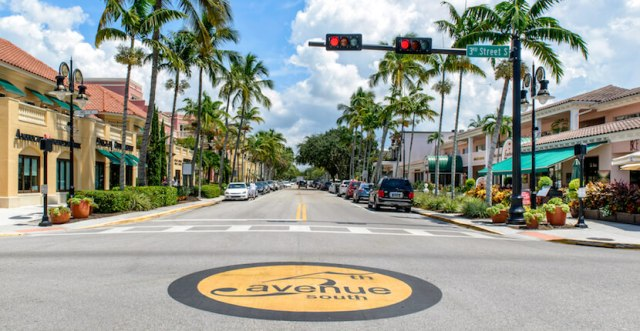 5th-Avenue-South-shopping-restaurants-Naples-Florida