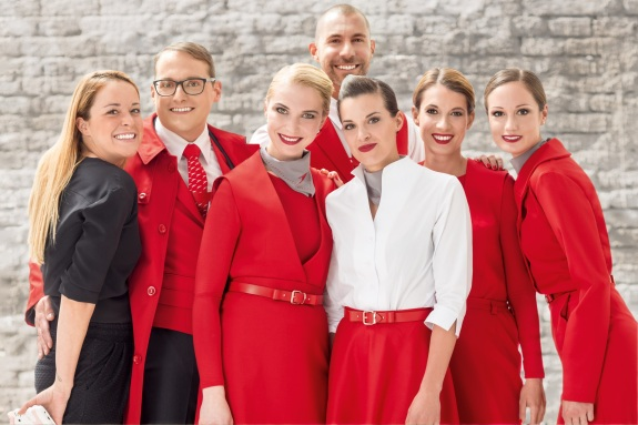 New_2016_uniforms_for_Austrian_Airlines_(1)