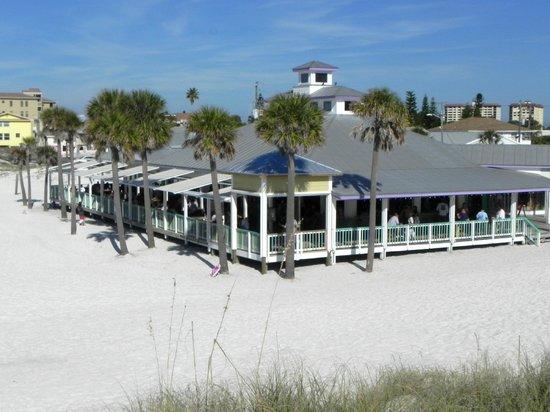 palm-pavilion-beachside