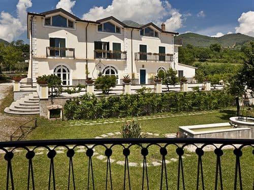 Villa R Resort